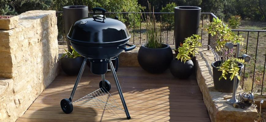 Georges                   -                   Ø56.5cm charcoal barbecue with ash collector and chrome grill
