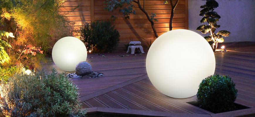 Wireless outdoor LED ball light 40 cm                   -                   Multicoloured rechargeable outdoor LED ball light- 16 colours